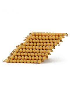 9 carrés de 100 perles