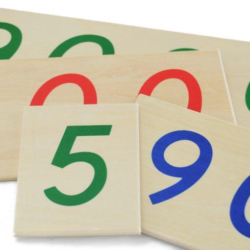 carte des nombres montessori en bois avec chiffres