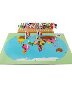 carte du monde avec drapeaux