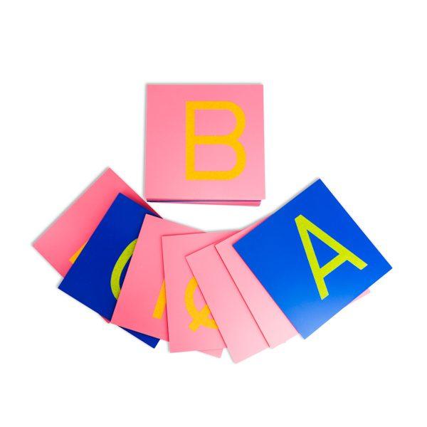 Lettres rugeuses montessori majuscules -3
