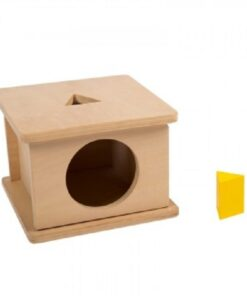 boite d'encastrement montessori avec triangle